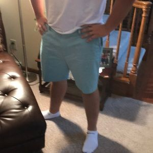 Nautica aqua wave color men shorts never worn
